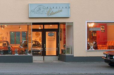 Automobile Raritäten in stilvollem Ambiente zum Verkauf